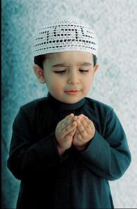 muslim-kids-praying
