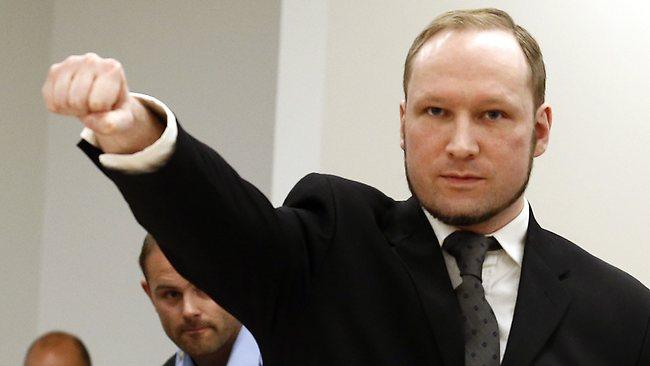 Norvegia: Ucigașul în masă Anders Behring Breivik și-a schimbat numele în Fjotolf Hansen