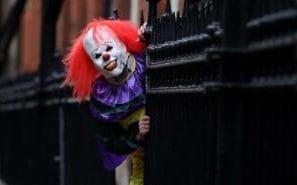 110813894_killer-clown-model-NEWS-small_trans++crjhb2M3Xos9q6qrWYYba9iJZCNvQsQTTyM3wPfTPjE.jpg