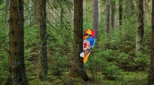 clown-in-woods