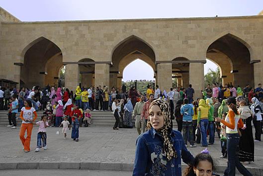023-eid-in-azhar-park-in-cairo-by-claudia-wiens.jpg