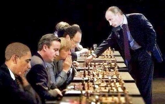 putin-chess-vs-eu-usa-529x336.jpg