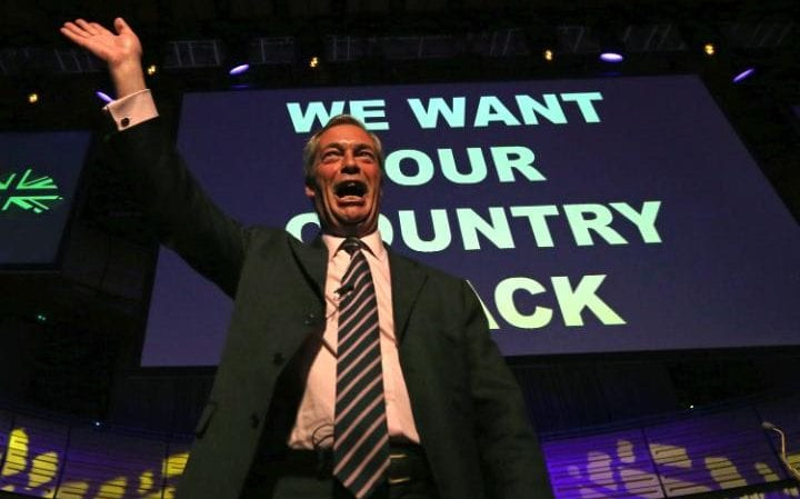 101307162_TOPSHOT_-_Leader_of_the_United_Kingdom_Independence_Party_UKIP_Nigel_Farage_waves_to_t-large_trans_NvBQzQNjv4BqQ7Yu6SDPP2A1eEtmQAiPhlZMPA6dYpfgMy_nYoHzX8M
