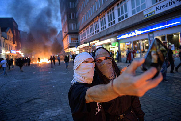 Hamburg-g20-protests-what-is-Antifa-demonstrations-protestors-Welcome-to-Hell-994436.jpg