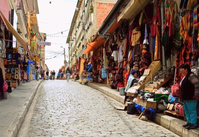 Sagarnaga-street-la-paz-bolivia-2.jpg