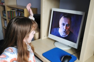 how-to-protect-child-from-online-predators